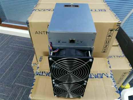 Selling Bitmain Antminer S9 14th with PSU Chat 17622334358
